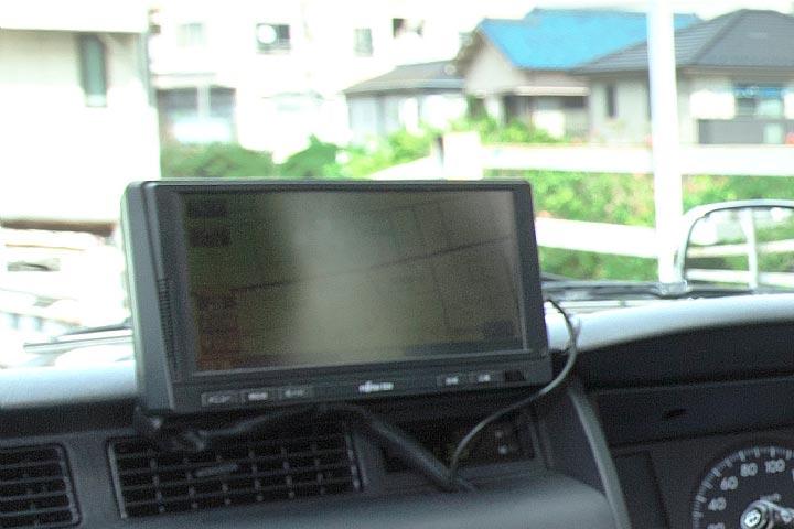 SOS信号を全車搭載 24時間対応しています